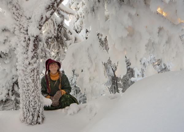 Feel Koli opas talvisessa Kolin metsässä.